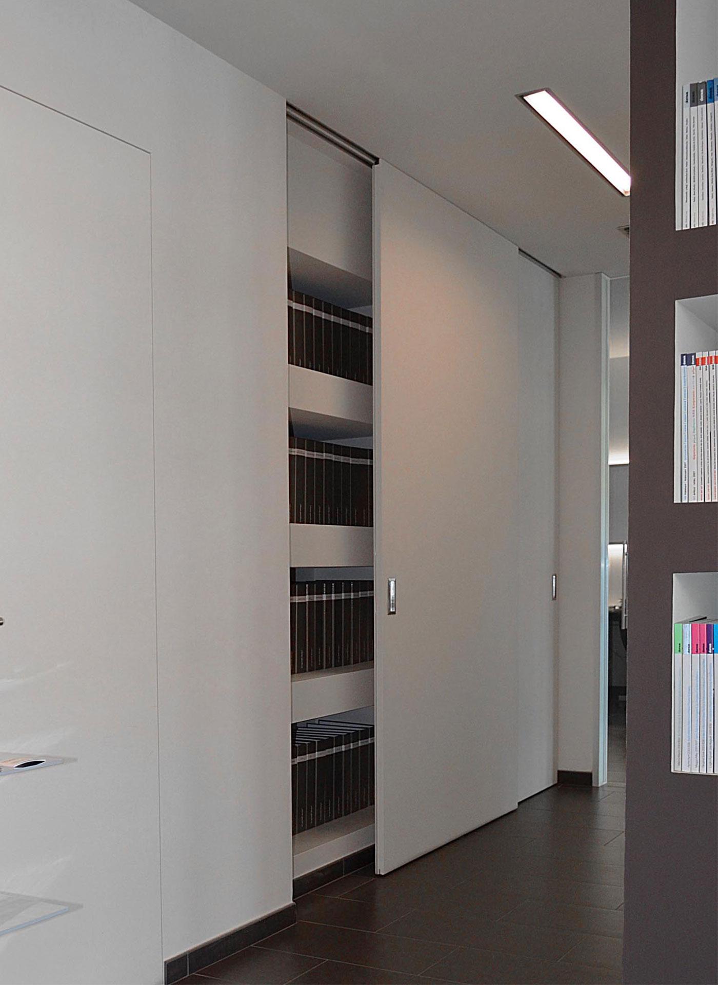 Armadio A Muro Design ante scorrevoli con binario incassato - evoline3