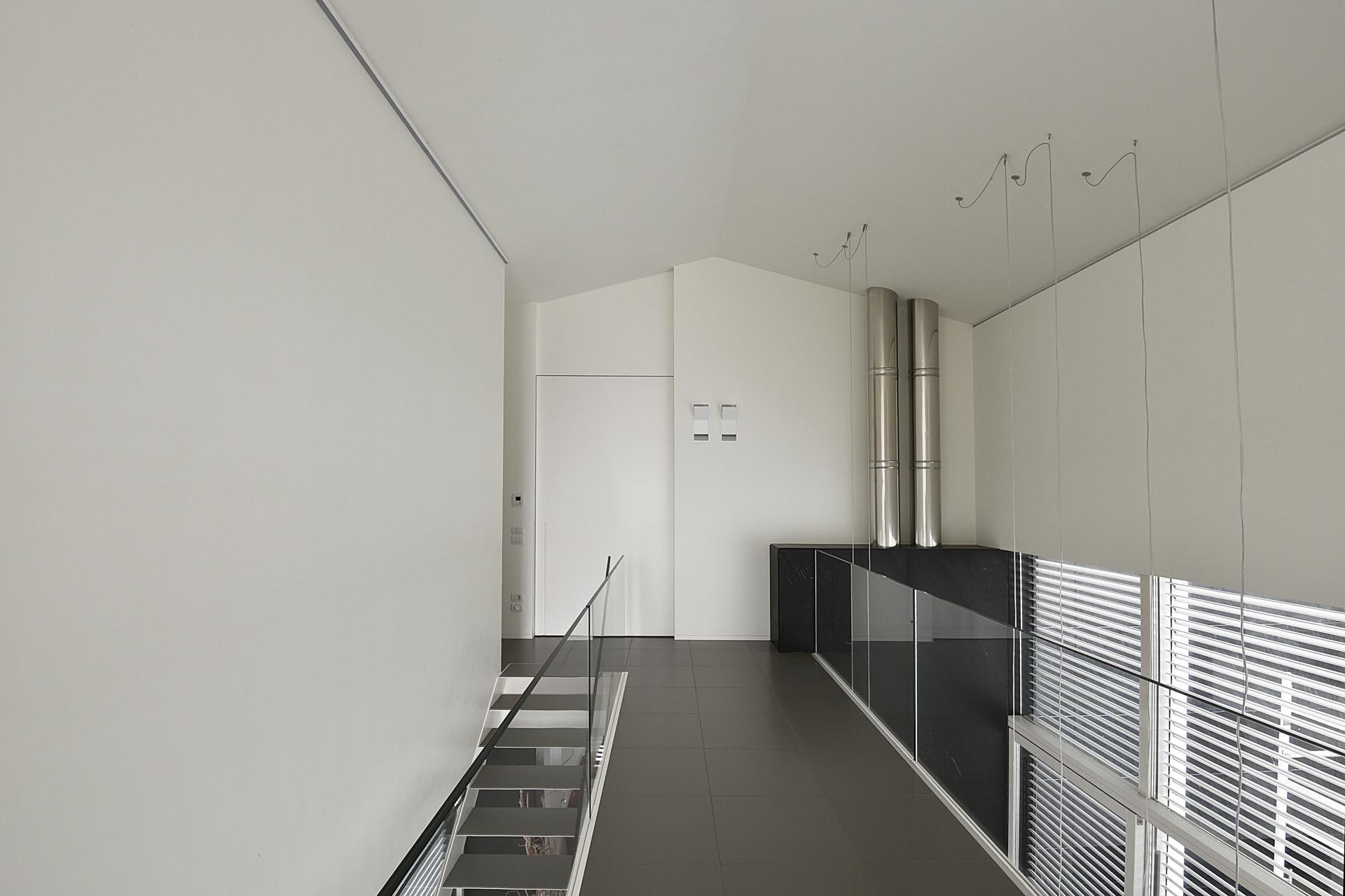 Porta scorrevole con binario a parete evoline3 - Parete cartongesso con porta scorrevole ...
