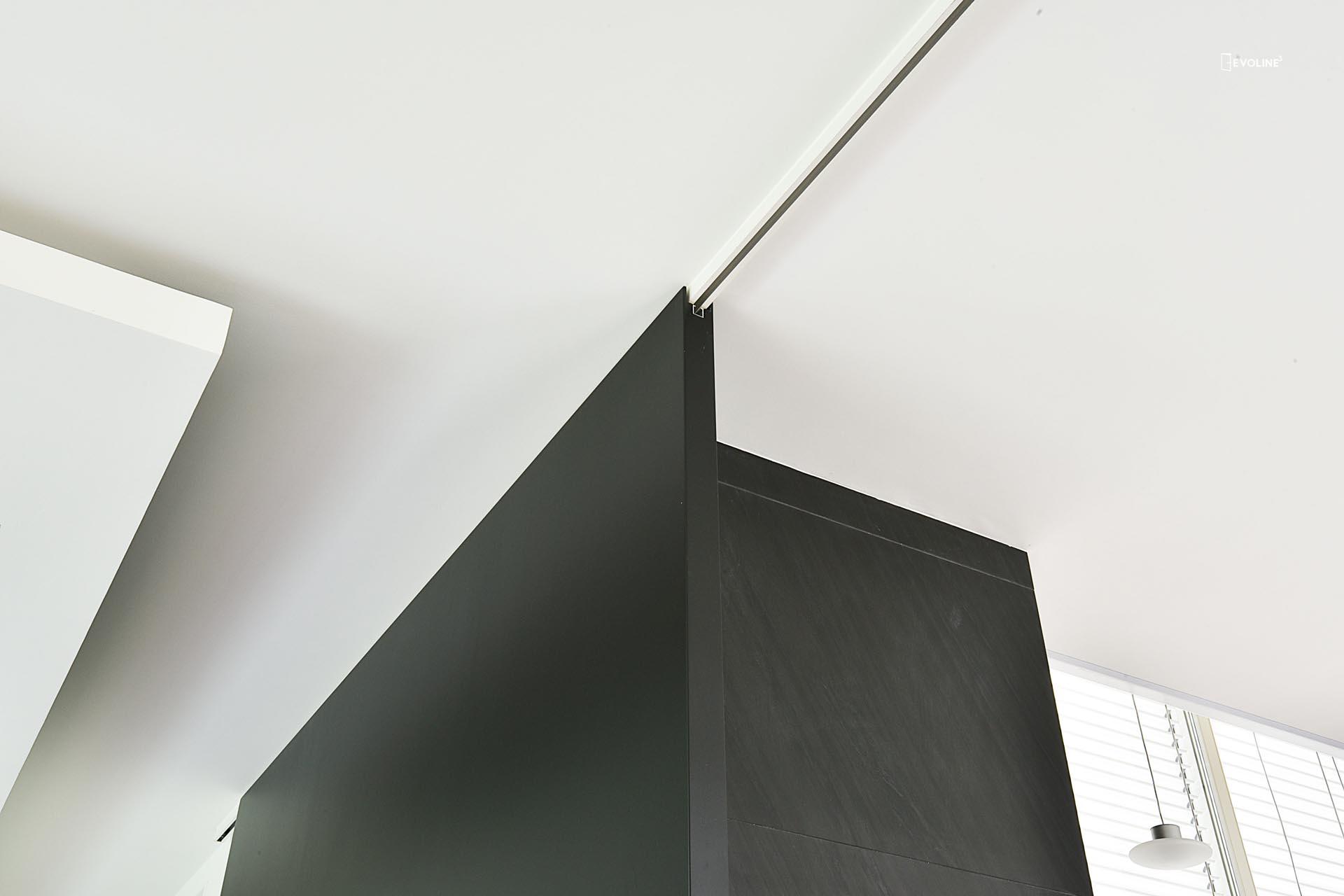 Porta scorrevole con binario a parete - Evoline3