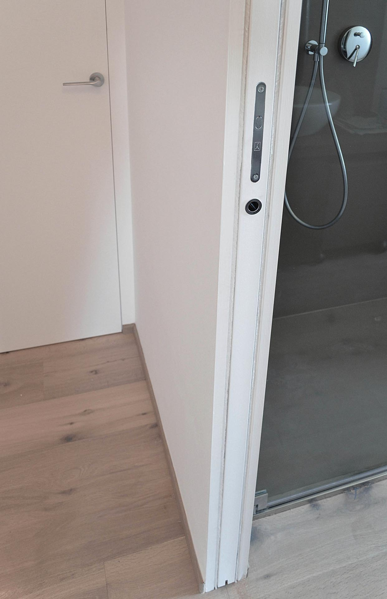 porta-scorrevole-interno-muro-aperta-laccata - Evoline3