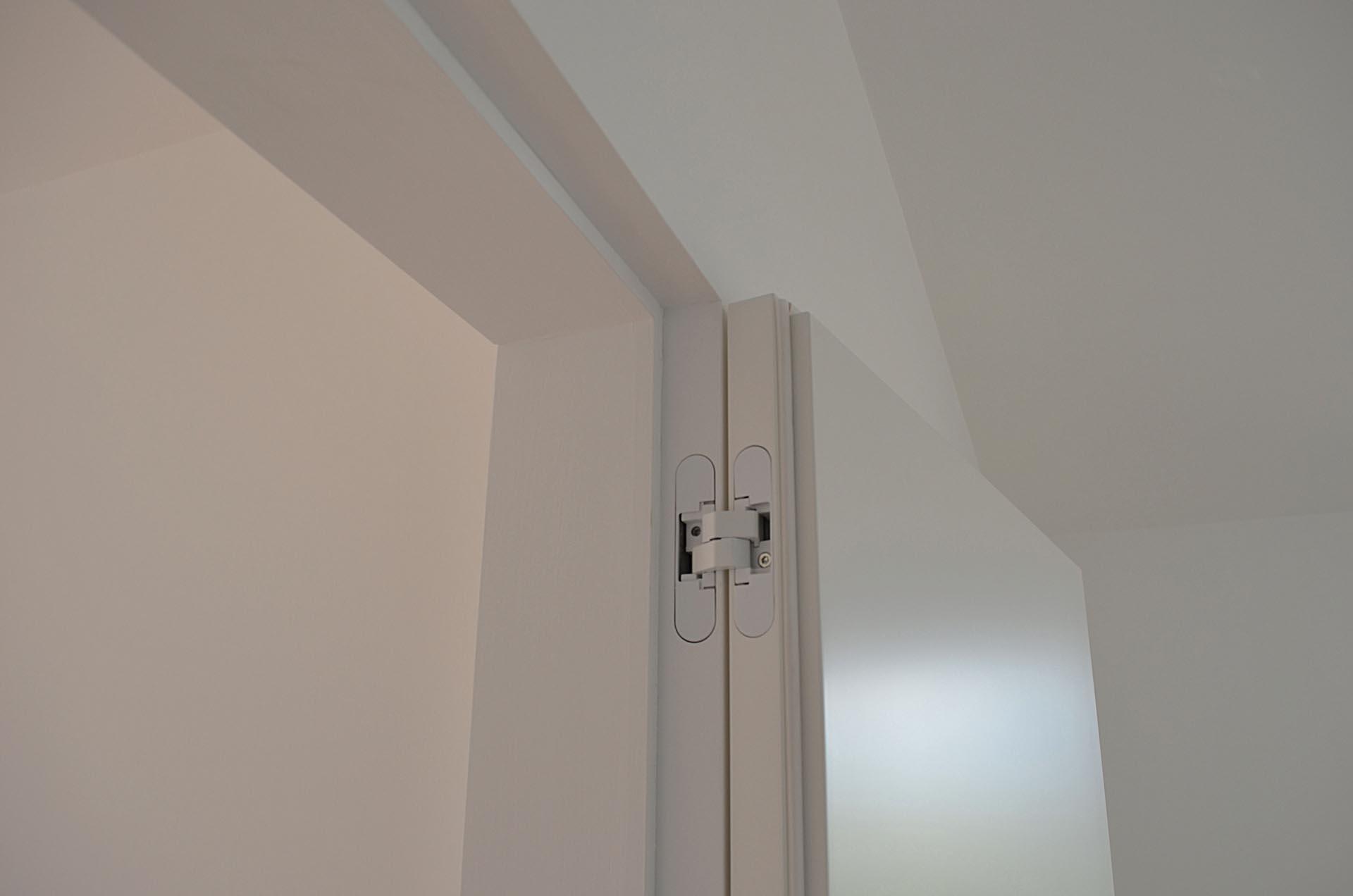 Montaggio Porta Filo Muro Cartongesso porte-filomuro-tirare-aperta - evoline3
